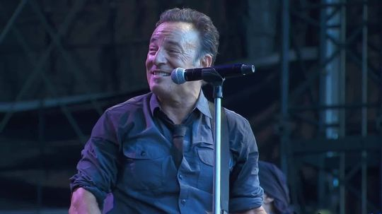 img-bruce-springsteen-you-never-can-tell-425